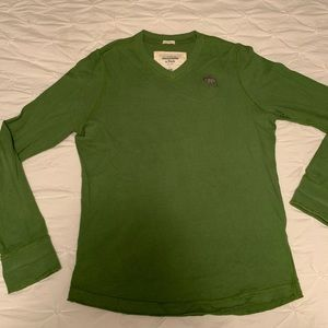 Abercrombie & Fitch v neck shirt